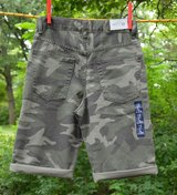 NWT GAPKIDS BOYS ADJUSTABLE WAIST CAMOUFLAGE DENIM SHORTS CAMO GREEN sz12 in Batavia, Illinois