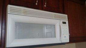 OVER RANGE MICROWAVE in Clarksville, Tennessee